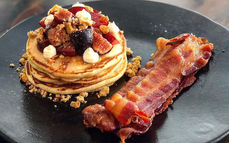 Buttermilk pancakes, fig, almond crumble