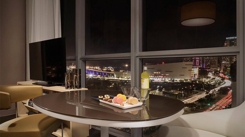O Gabriel Miami, coleção Curio by Hilton quarto de hóspedes