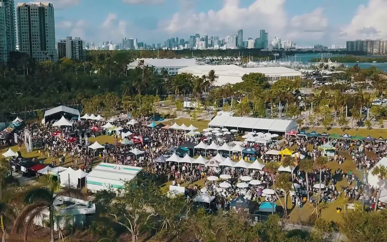 Grovetoberfest por Swarm, Inc.