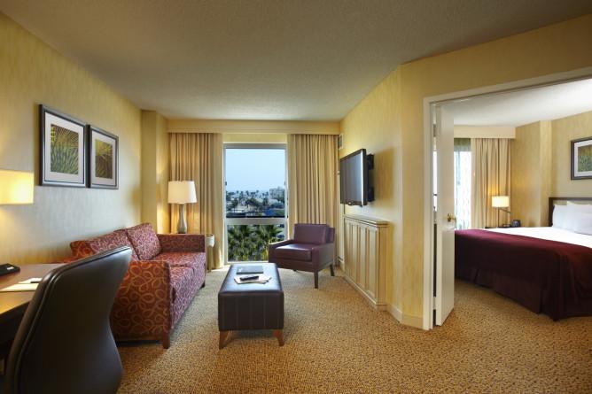 DoubleTree Suites by Hilton Hotel Santa Monica