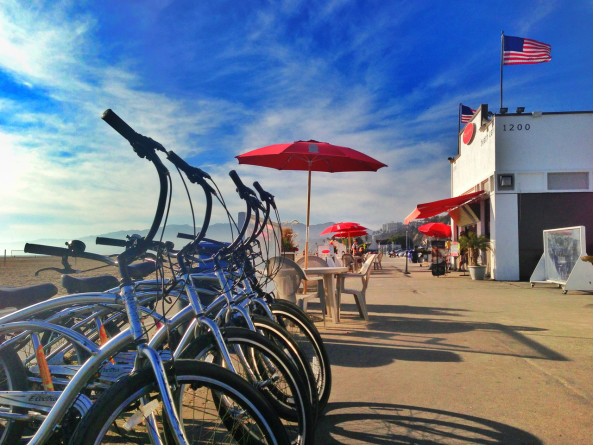Perry's Café and Beach Rentals