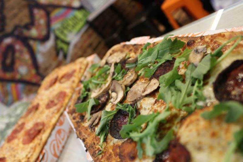 Zablong Peculiar Pizza / CincyUSA com