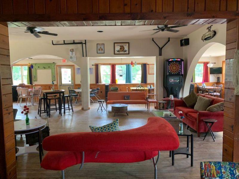 Green's Long River Inn