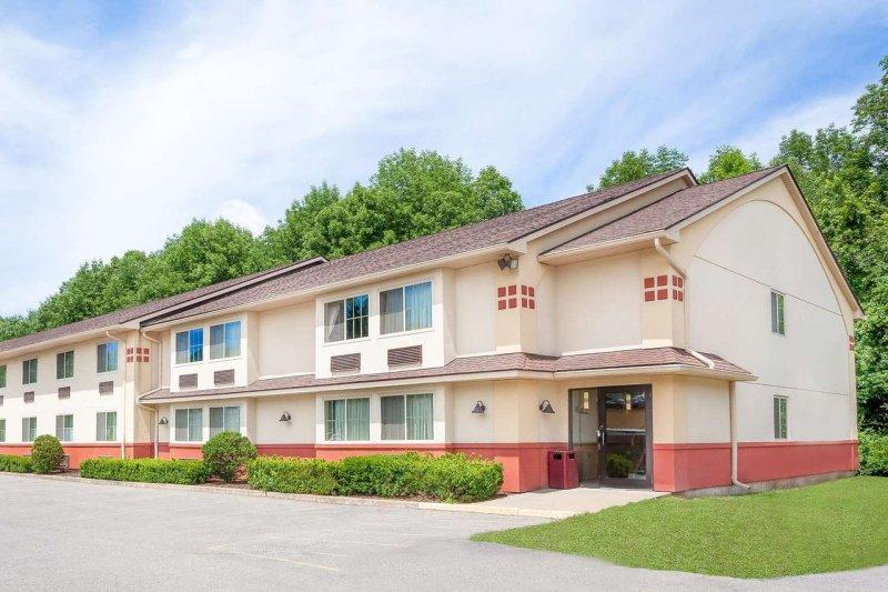 Super 8 Motel Wyndham Oneonta/Cooperstown