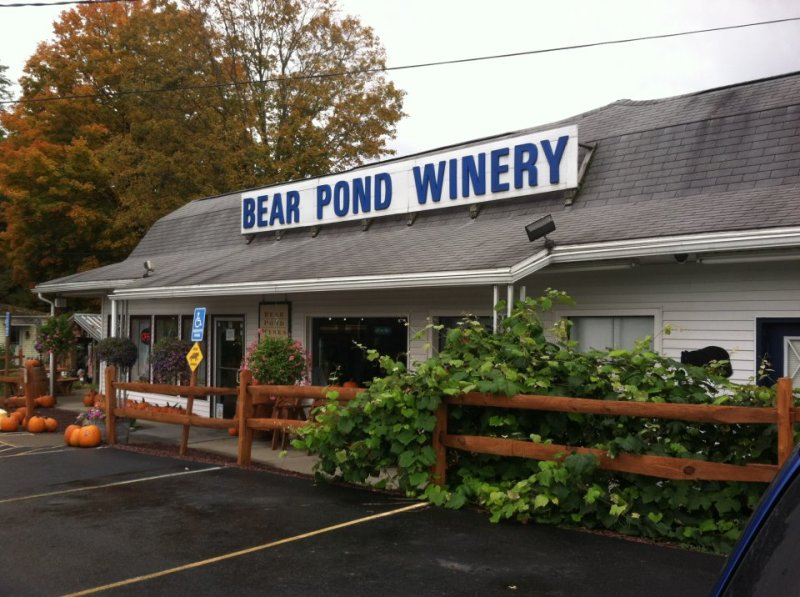 Bear Pond Winery