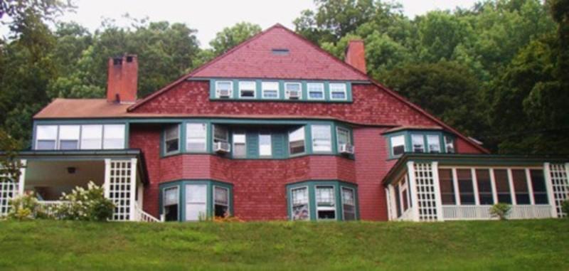 Bryn Brooke Manor