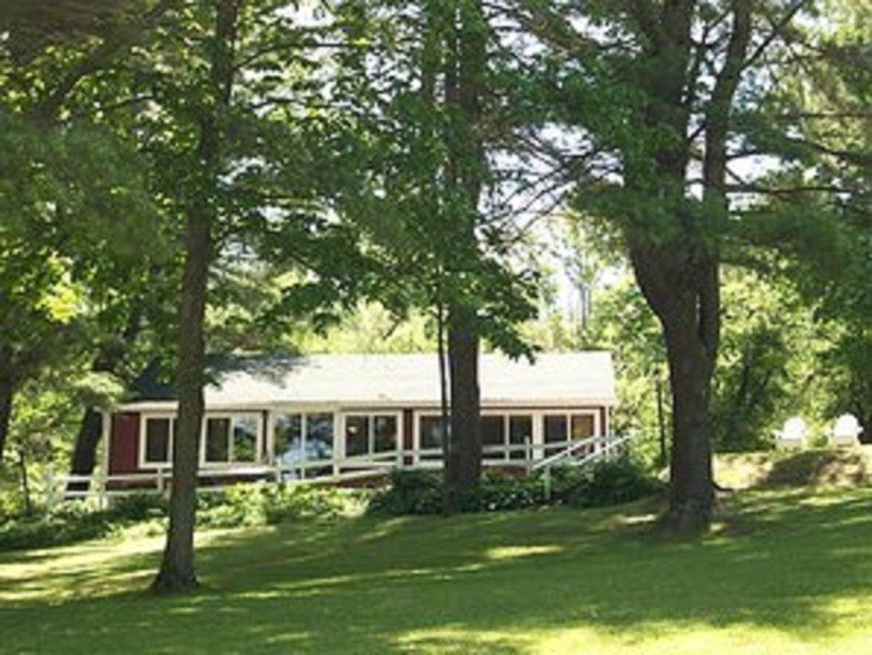 Cooperstown Twin Pine Cottage