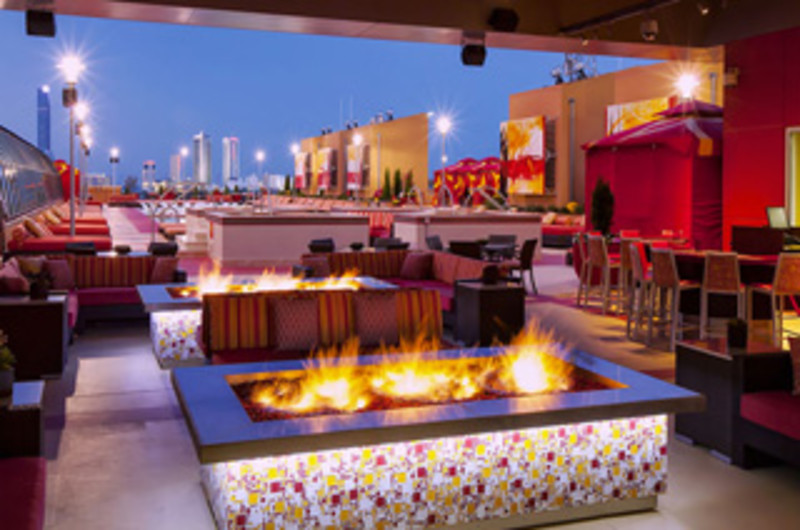 H20 Pool & Bar Grille