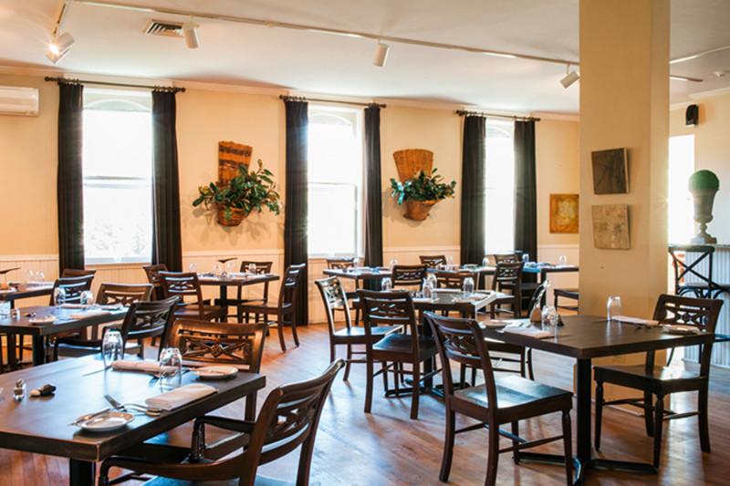 Whistling Swan Inn & Restaurant