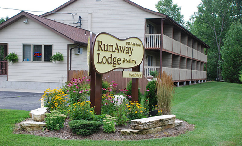 Runaway Lodge @ Valmy
