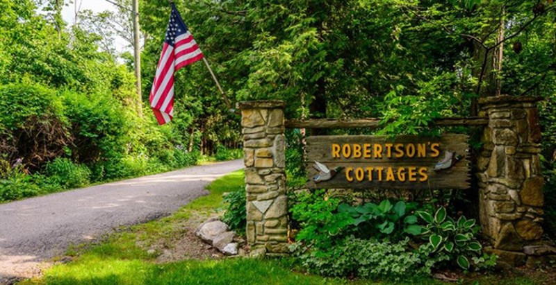 Robertson's Cottages at Idlewild