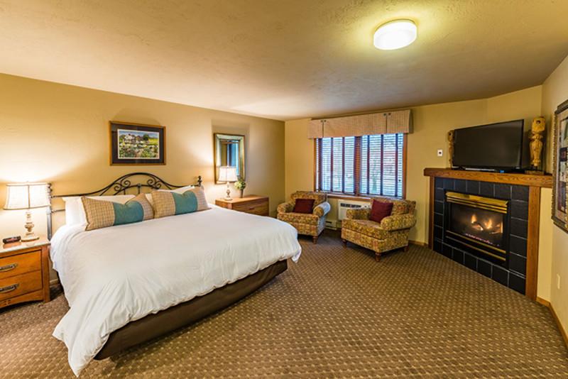 Somerset Inn & Suites