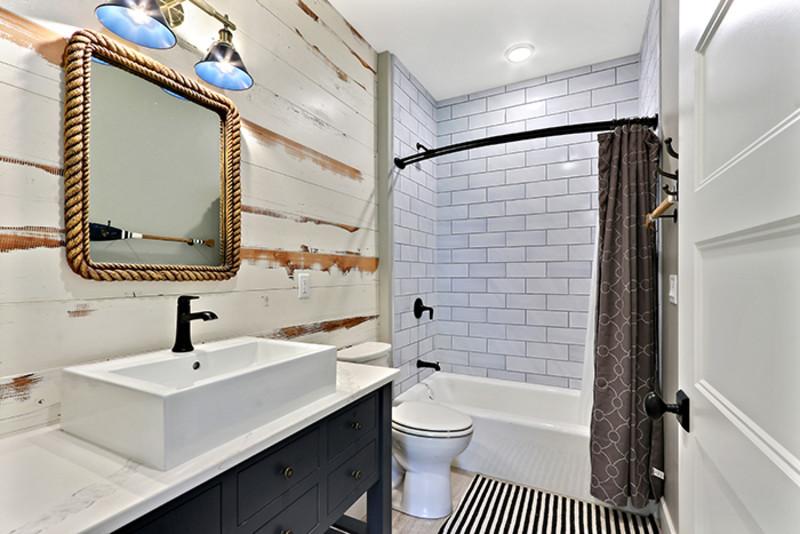 101: Luxury Downtown Sister Bay Condominium