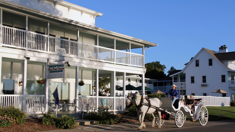 Mayberry's Carriages-Fish Creek (1)