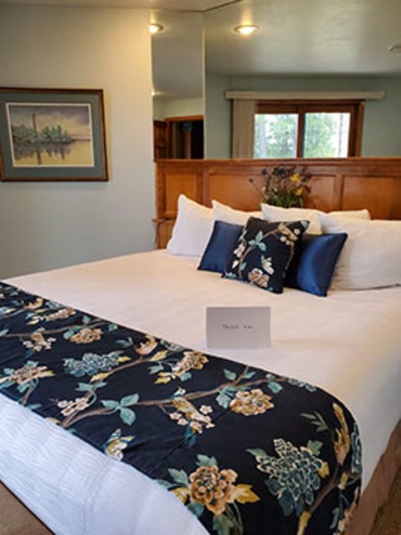 Glidden Lodge Beach Resort