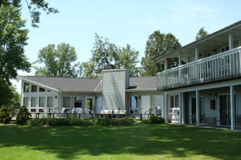 Square Rigger Lodge (1)