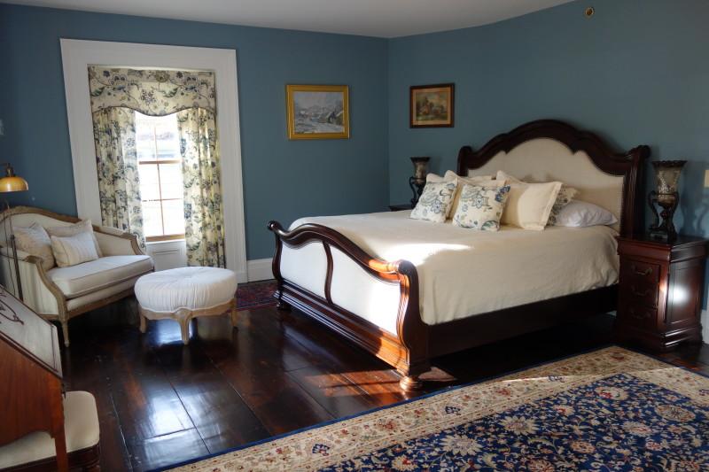 Brinckerhoff Inn Bed & Breakfast