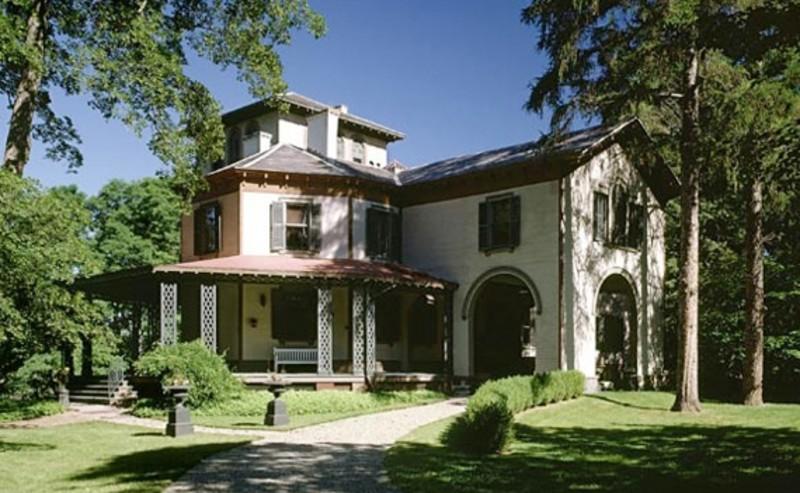 Locust Grove Estate