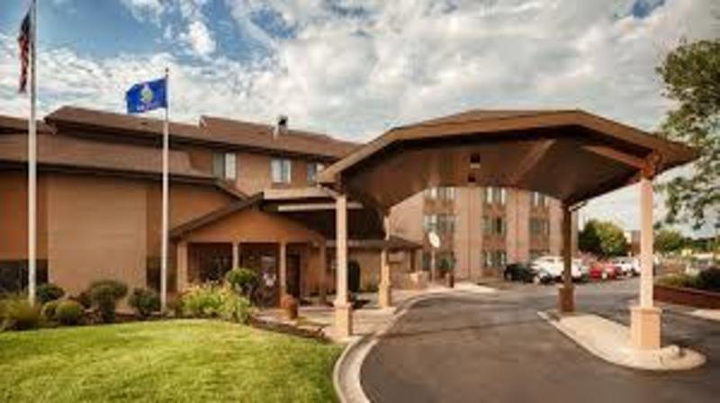 Quality Inn & Suites Featured Image