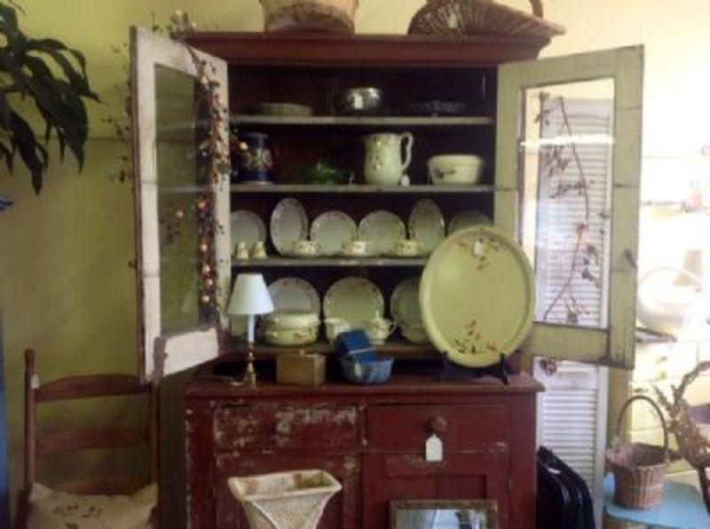 Nestfeathers Antiques