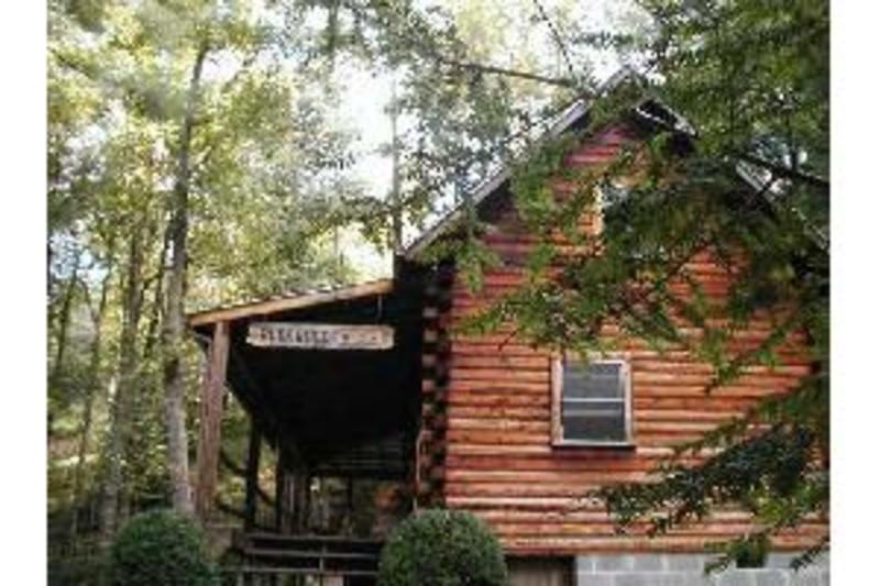 Buckwood Log Lodge