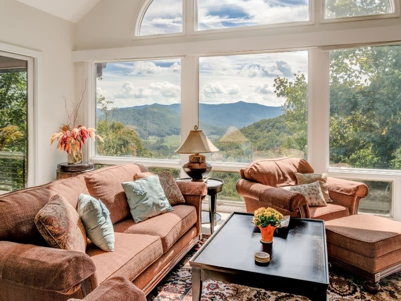 Admirable Asheville Cabins Cabin Rentals Places To Stay Interior Design Ideas Oxytryabchikinfo