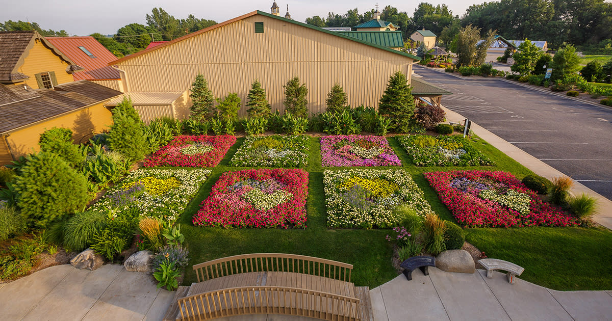 Quilt Gardens In Elkhart County Heritage Trail Flowers Murals
