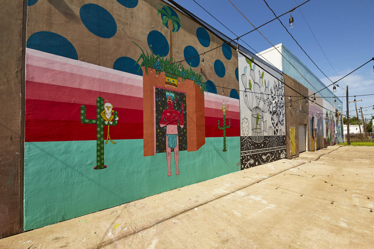 Coloring cowtown murals in fort worth - American gardens west 7th fort worth ...