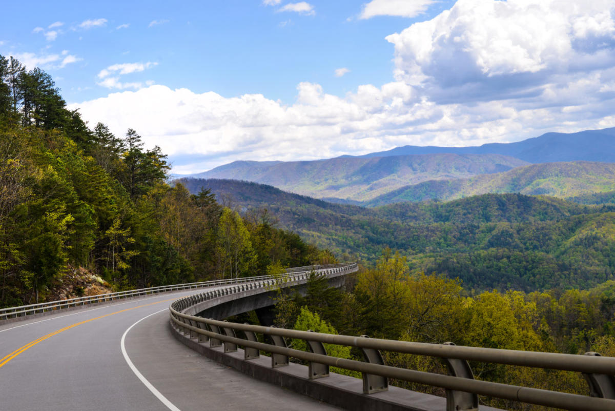 Scenic Drive along the Foothills Parkway
