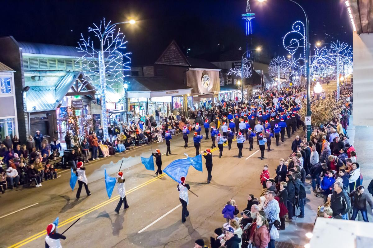 Smoky Mountain Christmas Parade 2020 Gatlinburg Fantasy of Lights Christmas Parade | The Smoky