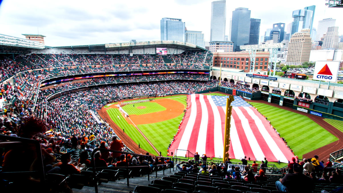 Deportes en Houston | Todo sobre Béisbol, Fútbol y mucho más-¡En el campo o las canchas de los equipos, los deportes en Houston ofrecen acción total. El fútbol americano y los Astros de Houston están más interesantes que nunca. Encuentra aquí todos los deportes.-www.holahouston.com