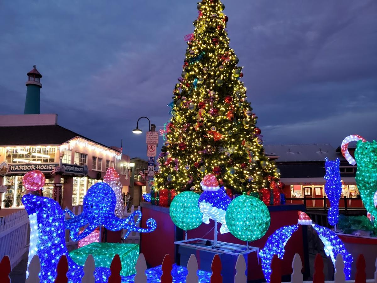 """Christmas Events Monterey Ca 2020 Get in the Spirit at the """"4th Annual Christmas on the Wharf"""""""