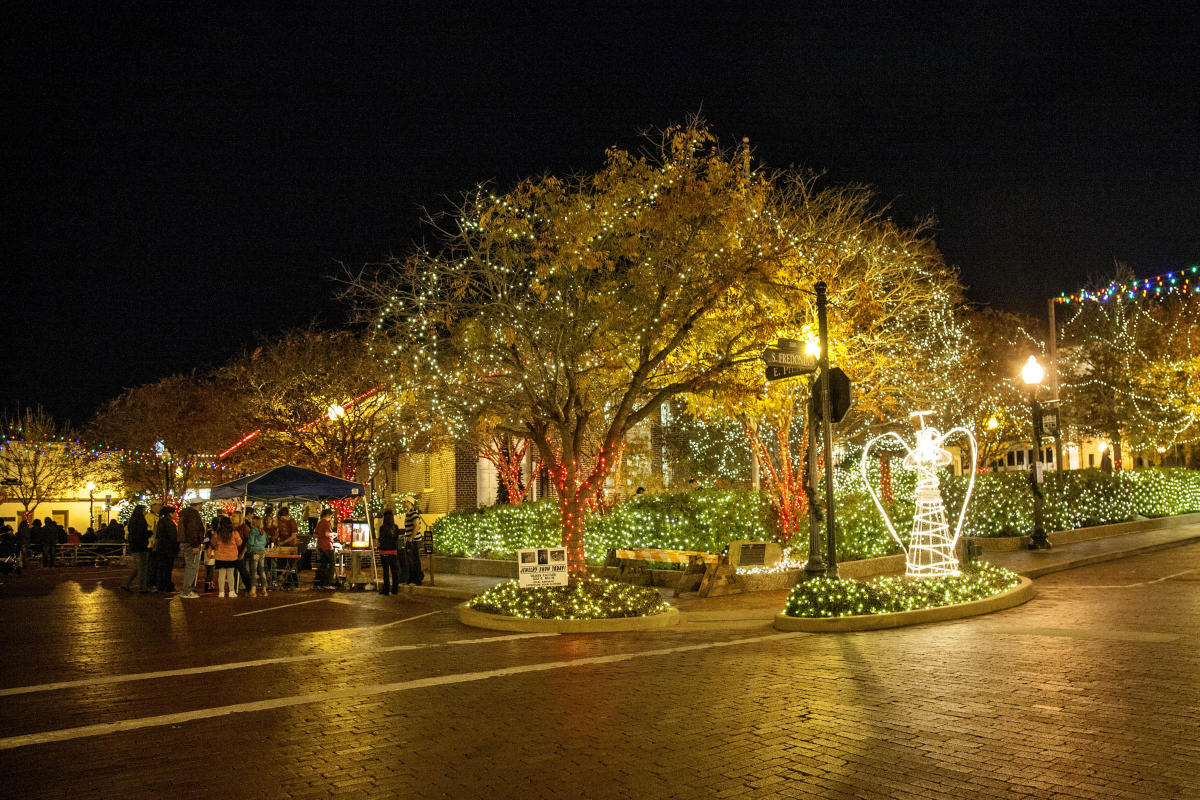 Nacogdoches Christmas Parade 2021 Nacogdoches Cvb Offers Nine Flags Festival Holiday Packages