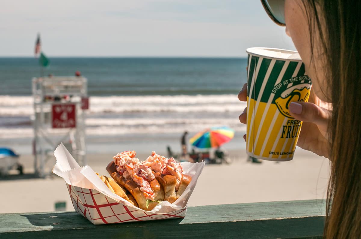 Best Lobster Rolls In Newport Ri Find Seafood Restaurants Cafes