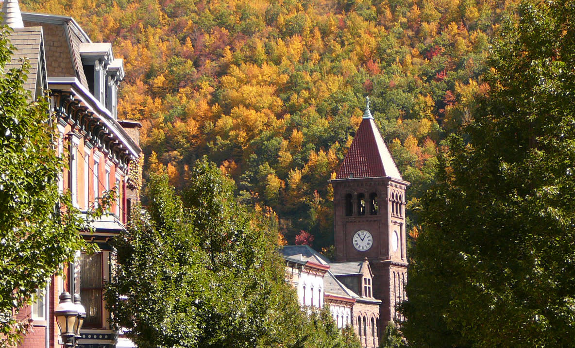 5612df9a 8 Quaint & Cozy Pocono Towns to Visit in the Fall