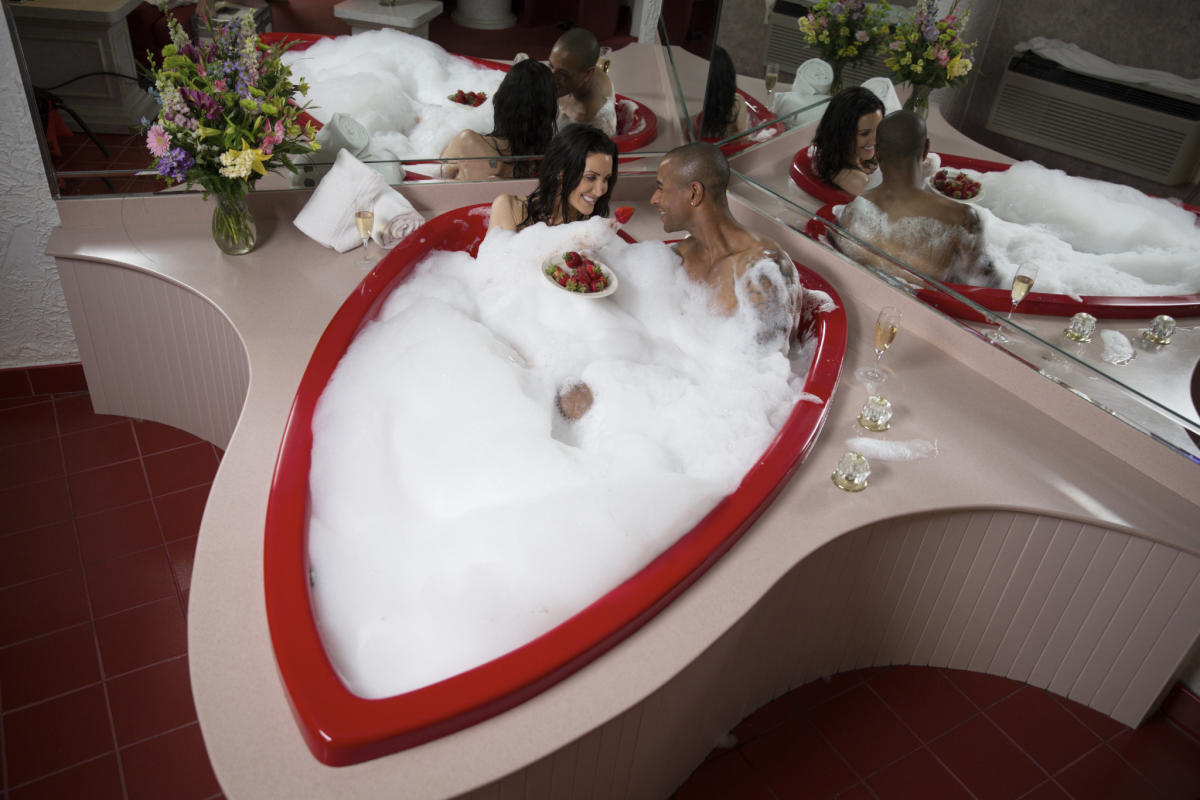 Heart Shaped Tubs Paradise Stream Resort Cove Haven Resort