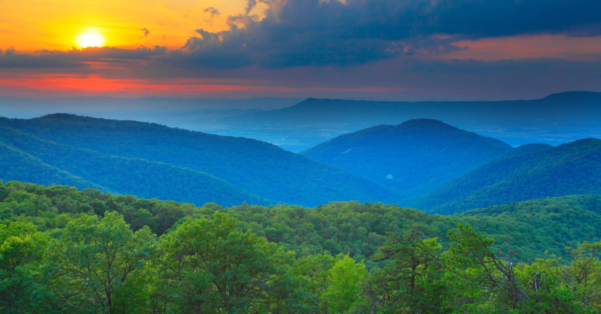 - Blue Ridge Mountains Roanoke, VA