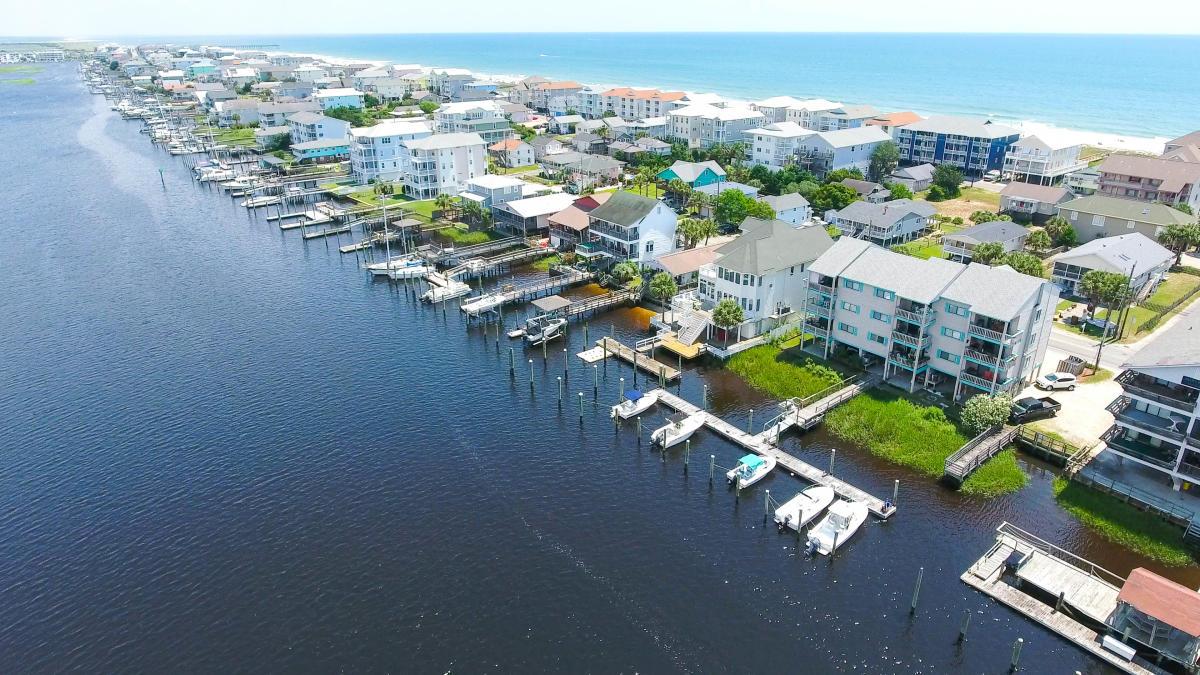 Carolina Beach Vacation Homes | Beachfront Condo Rentals