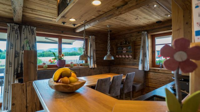 Chalet Petry