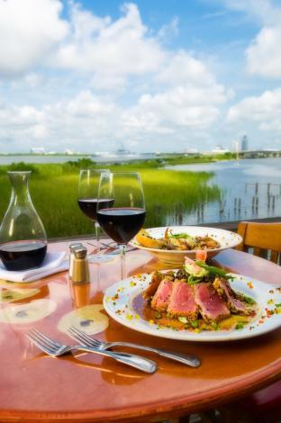 Dining along Mobile Bay