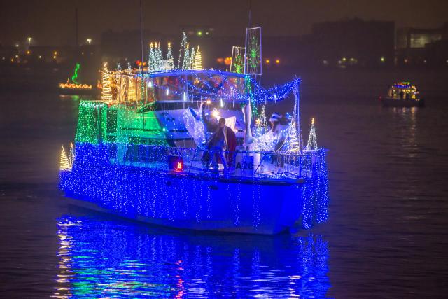 Christmas Boat Parade Ideas.Holiday Boat Parade Of Lights In Alexandria Va