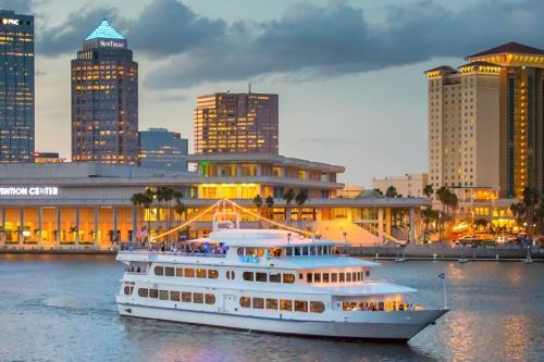 June Tourism Revenue Breaks Record Set in 2016