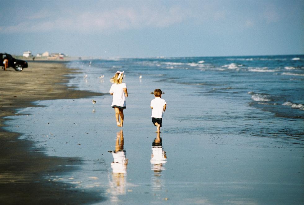 Brazosport - Kids on the beach