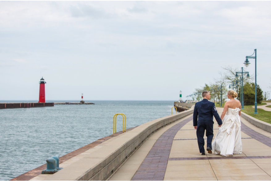 couple strolling in HarborPark
