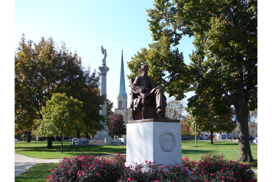 Lincoln statue at Library Park