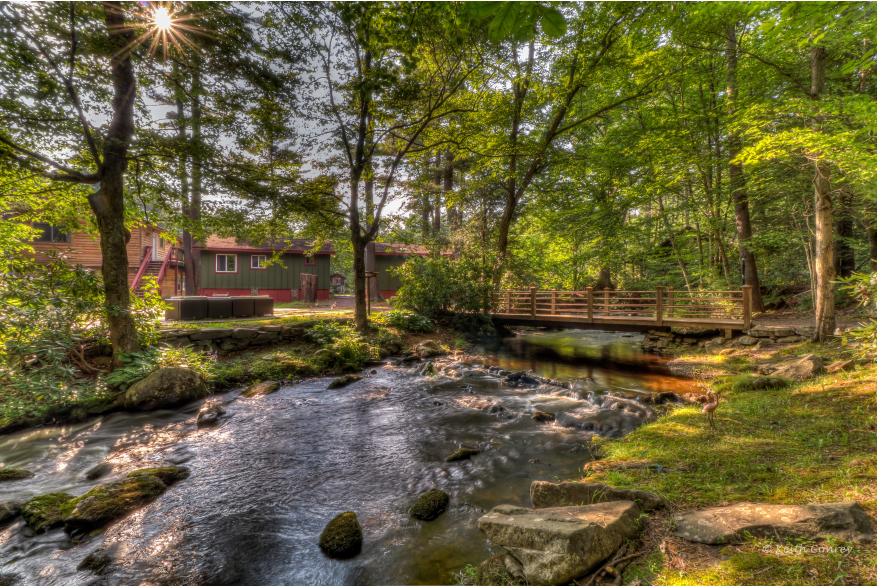 Stay at a Cabin/Cottages in the Poconos