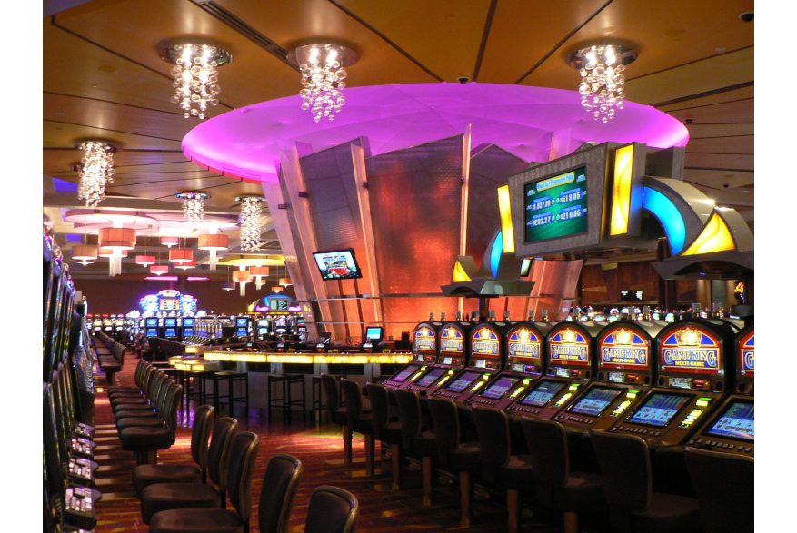 Glass Bar at Mount Airy Casino Resort