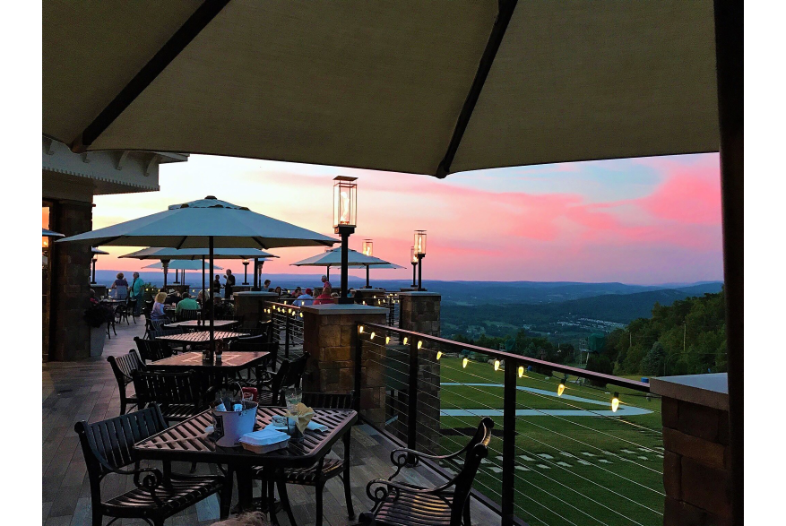 Outside Dining in the Poconos