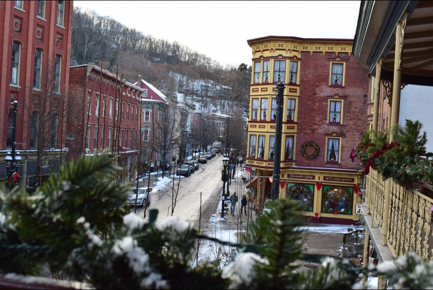 Explore Jim Thorpe in the Winter