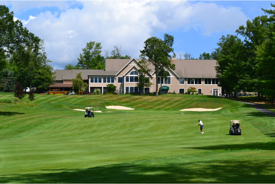 Hit the links this summer in the Poconos